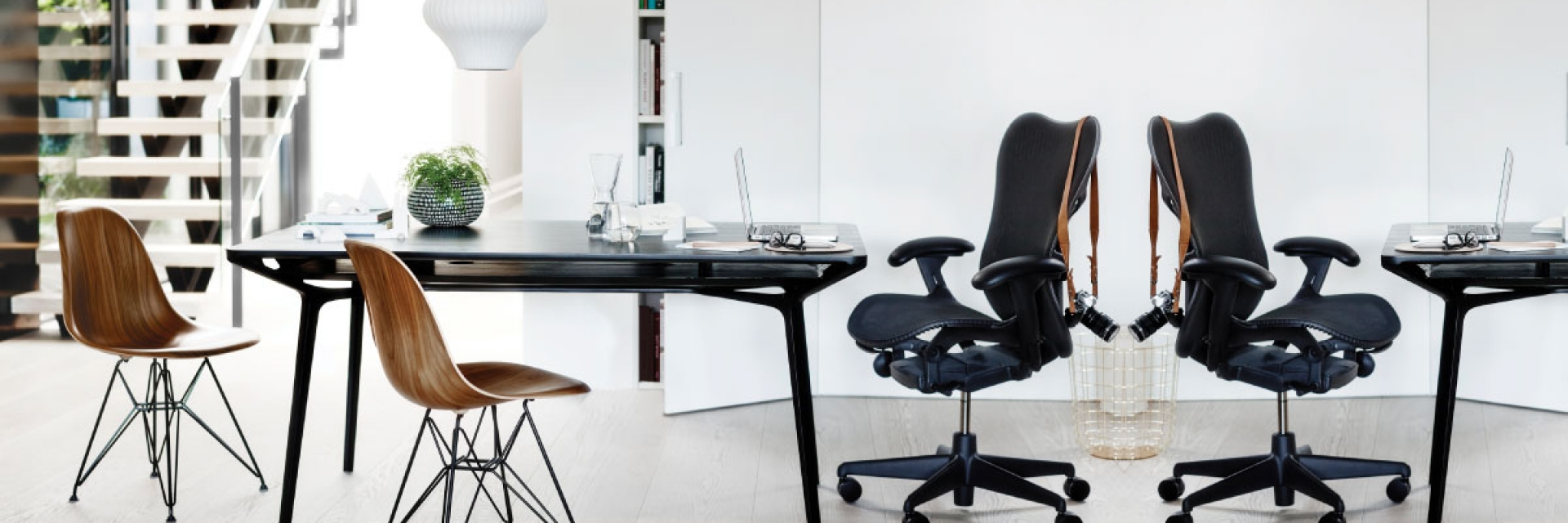 Herman Miller DSWR chairs, mirra 2 chair, Herman Miller dining setting, Herman miller eames dining chairs, Eames DSWR