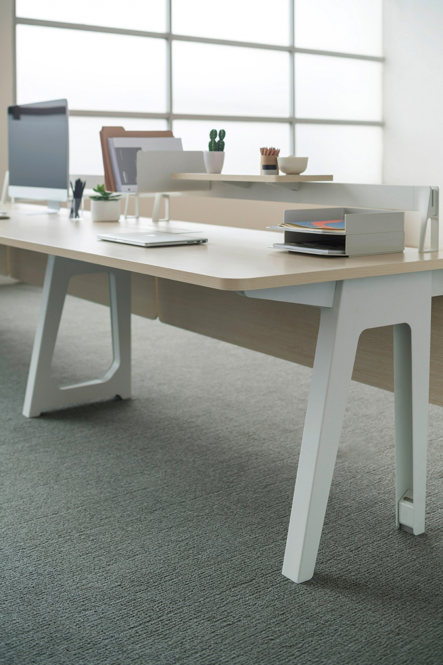 Optimis Single Desk