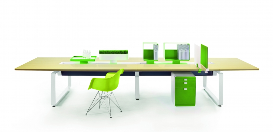 Arras Bench with green accent