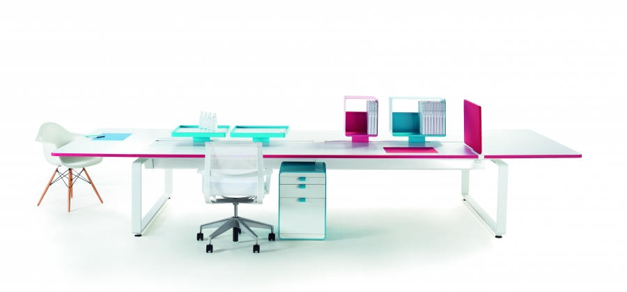 Arras Bench with pink & blue accents