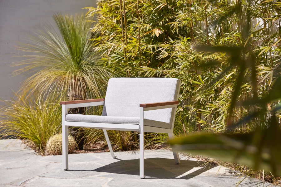 Breeze outdoor lounger  by Tait, Tait outdoor lounge chair Breeze, Breeze collection by Tait