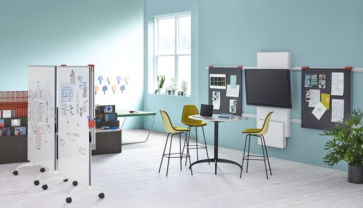 Exclave designed by Gianfranco Zaccai and Continuum, Exclave by Herman Miller,