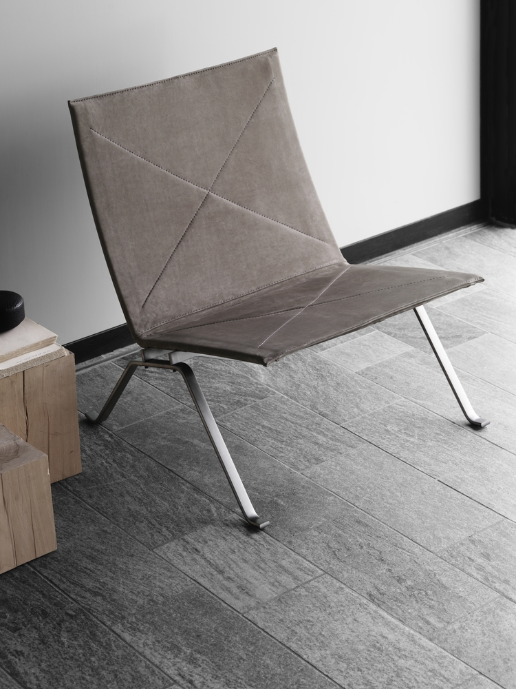 PK22 Lounge designed by POUL KJAERHOLM for Fritz Hansen, PK lounge with leather seat