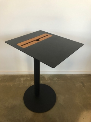 Nomad side table by Arredorama