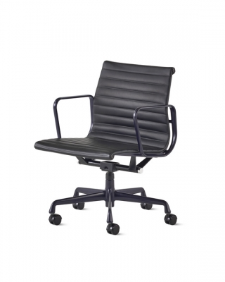 Eames Aluminium Group management Chair designed by Ray and Charles Eames, Herman Miller Eames Management chair, Herman Miller Eames Aluminium Group chair