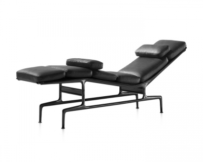 Eames Chaise designed by Charles and Ray Eames for Herman Miller, Herman Miller Eames Chaise